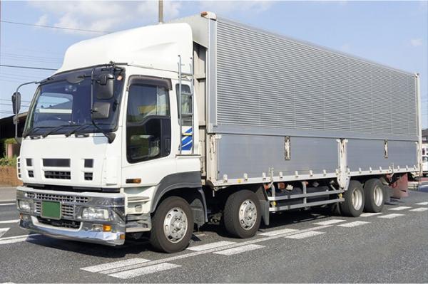 コックス・ギア株式会社【新車・中古車大型トラック陸送業務】の求人募集画像